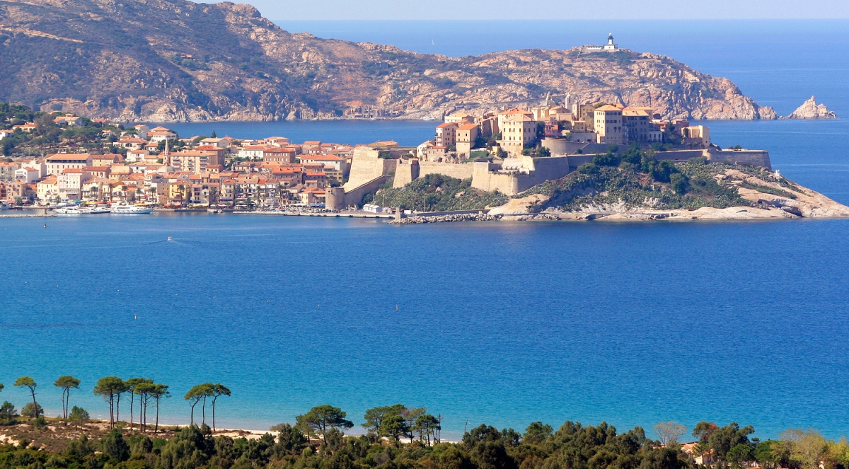 Les plus belles plages de france visiter la france - Office du tourisme porto corse ...